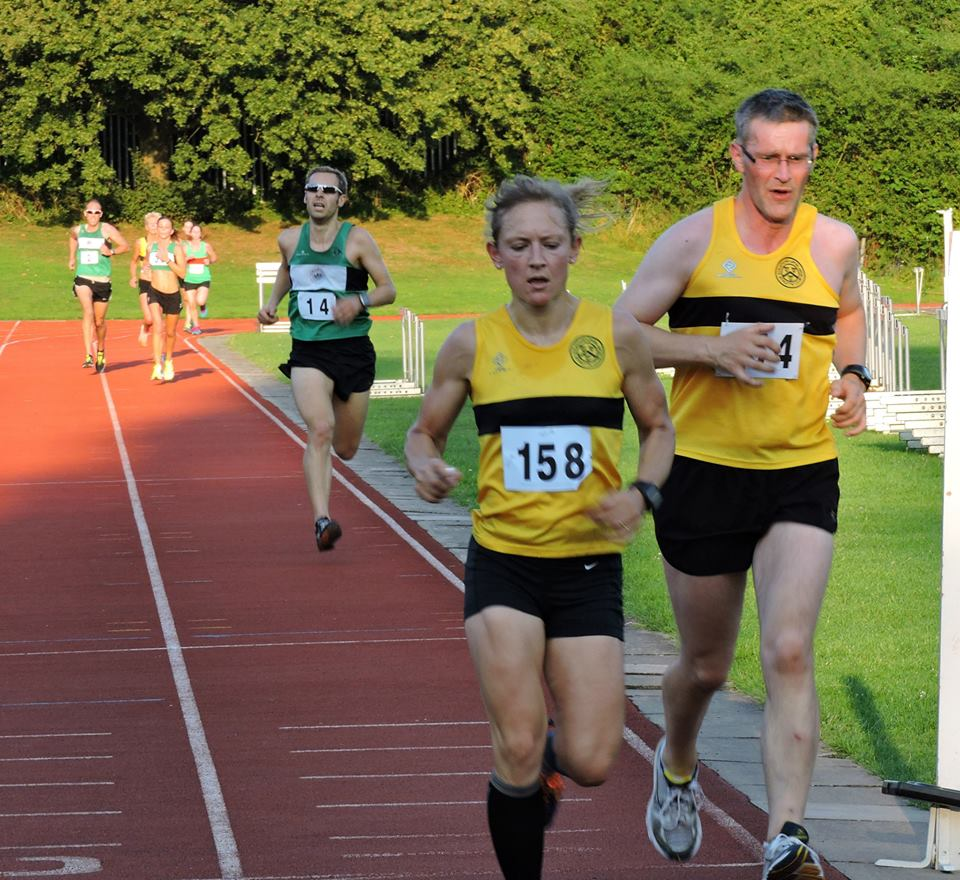Simkiss finishing the 5000, McCarthy in tow