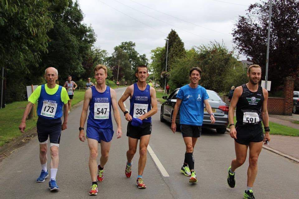 Chris McCarthy, Matt Poynton, Chris Jordan, Ludo Renou & Rich Simkiss prepare for the start of the JF10.
