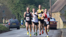 The usual lead group at this years Ilmington races.